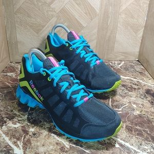 Reebok zigteh running shoes black size 5 youth